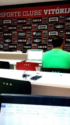 Espaço da coletiva de imprensa com o novo técnico do Vitória, Marcelo Chamusca